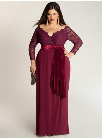 Выбрать подходящий и украшающий фасон платья для немного полных женщин не так уж и сложно, как порой может казаться