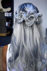 Цвет волос определенно заявляет что
