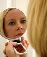 Как делается чистка лица при пигментации: коррекция внешних данных