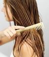 Как правильно мыть волосы - как наносить на голову шампунь?