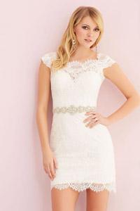 Короткие свадебные платья: разновидности и тенденции 2015