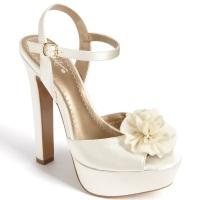 82999cc80 Сезон и приметы   Свадебные туфли – самый важный аксессуар