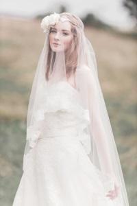 Изобр по > Свадебная Фата с Кружевом