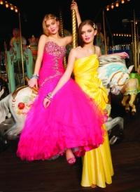 Выпускные и вечерние платья – модные тренды 2012