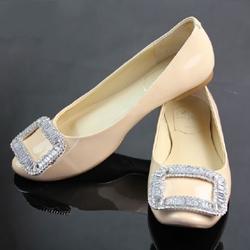 101fccb83 Туфли без каблука: как сделать, чтобы они великолепно смотрелись