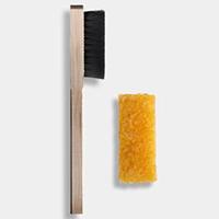 инструменты для ухода за замшевыми сапогами