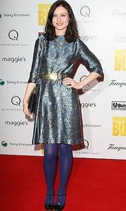 Платье Galaxy так понравилось знаменитостям, что они одевали его не смотря на то, что в нем ходили все. Дизайнер говорил, что хотел сделать платье так