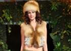 Аксессуары из меха - пушистые объятия моды