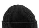 Вязаная мужская шапка – модное утепление