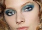 Голубые тени для век – тренды макияжа зимой 2011-2012