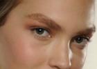 Тренды макияжа зимой 2011-2012 - широкие брови