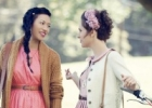 Как носить летние платья осенью: легкие наряды для прохладной погоды